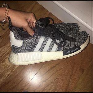 grey adidas nmd r1